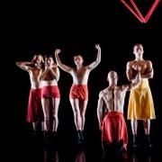 """Urbanistinio šokio teatro """"Low air"""" spektaklis """"Šventasis pavasaris"""", nuotr. D. Matvejevo."""