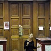 """Jane Arnfield, """"performansas Alavanis žiedas"""", nuotr. šaltinis thetinring.com"""