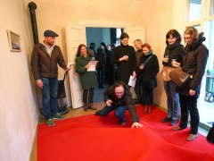 Raudono kilimo magija