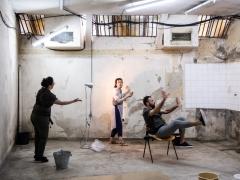 """Scena iš spektaklio """"Imóvel"""". J. Peixoto nuotr."""