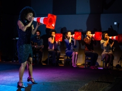 """Scena iš spektaklio """"Postkolonijinė meilė"""". J. Peixoto nuotr."""