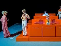 Jaunojo teatro distopijos ir priemonė nuo susvetimėjimo