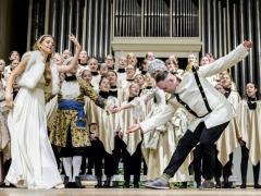 """Dovilė Kazonaitė, Vaidas Bartušas, choras """"Viva Voce"""" ir ansamblis """"Festa Cortese"""". D. Matvejevo nuotr."""