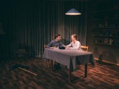 """Paulius Pinigis ir Laima Akstinaitė spektaklyje """"Helverio naktis"""". E. Sabaliauskaitės nuotr."""