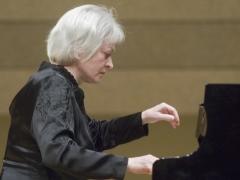 Juodais ir baltais Paryžiaus klavišais