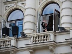 Sergejus Krylovas griežė Nacionalinės filharmonijos balkone