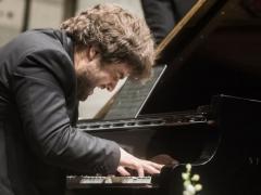 Simfonija su būtinu fortepijonu