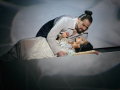 Galingai skambanti intymi opera