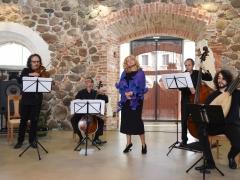 Simone Kermes dainavo Paliesiaus dvare