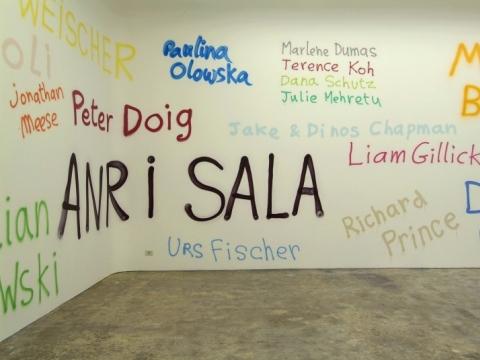"""Pierre Bismuth. """"Labiausiai pageidaujami žmonės"""". 2007 m. Galerijos BUGADA & CARGNEL (Paryžius) nuosavybė"""