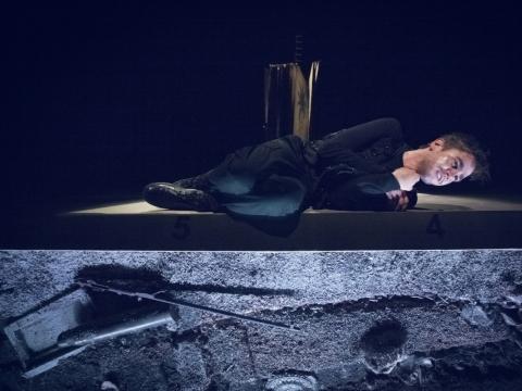 """Arnas Ašmonas spektaklyje """"Natanas Išmintingasis"""". D. Stankevičiaus nuotr."""