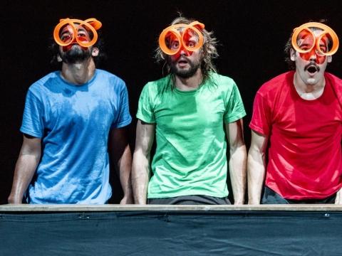 "Lucas Castelo Branco, Andrés Torres Díaz ir Johannes Bauhofer pasirodyme ""Piti Peta Hofen Show"". D. Matvejevo nuotr."