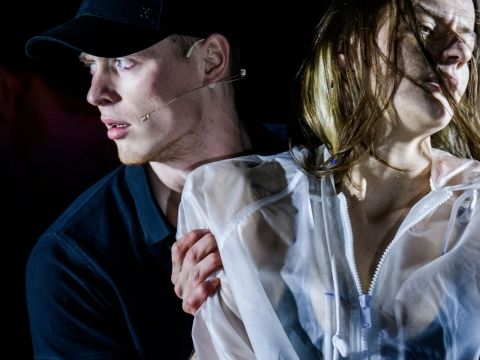 """Petras Šimonis ir  Monika Poderytė spektaklyje """"Nothing Hurts"""". L Vansevičienės nuotr."""