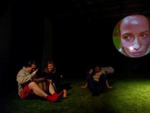 """Scena iš spektaklio """"Kissmas"""". D. Putino nuotr"""