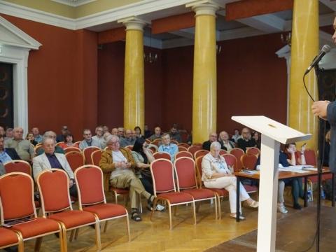 Gintaras Česonis pristato savo programą Lietuvos fotomenininkų sąjungos suvažiavimui. 2016 m. R. Požerskio nuotr.