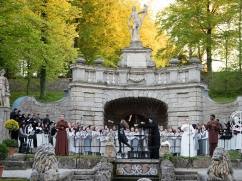 "Spektaklio ""Iš vandens ir akmens"" akimirka. ""Salzburger Landestheater"" nuotr."