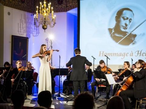 Justina Auškelytė, dirigentas Modestas Barkauskas, Šv. Kristoforo kamerinis orkestras. M. Mikulėno nuotr.