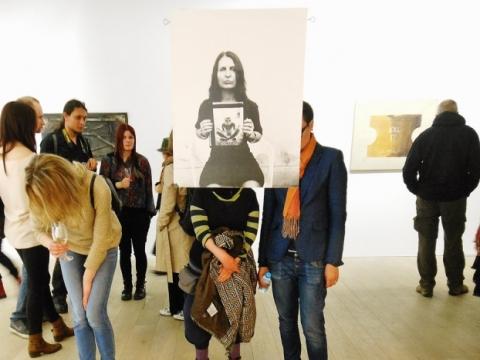 """Leila Džeiran Šukiur (Kasputienė) ir Kipras Kasputis, kūrinio """"Sūnus Kipras. Mama Leila"""" fragmentas. 1992–2014 m. J. Lapienio nuotr."""