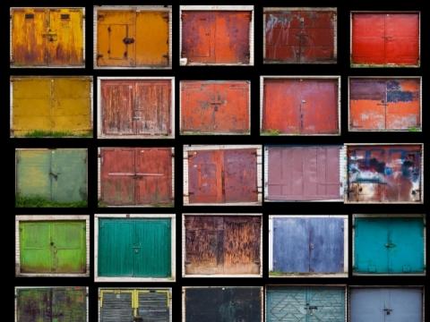 """Agnės Gintalaitės fotografijos projektas """"Beauty Remains. Grožio reliktai"""". 2015 m."""