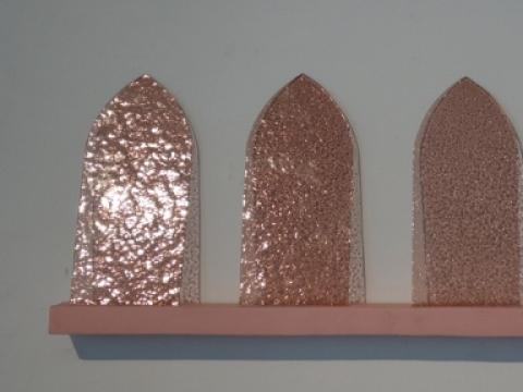 """Karolina Voicechovskaja, """"50 rožinių atspalvių"""", instaliacijos fragmentas. 2014 m. A. Narušytės nuotr."""