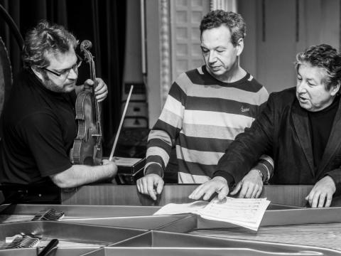 Džeraldas Bidva, Pavelas Giunteris ir Anatolijus Šenderovas. 2014 m. D. Matvejevo nuotr.