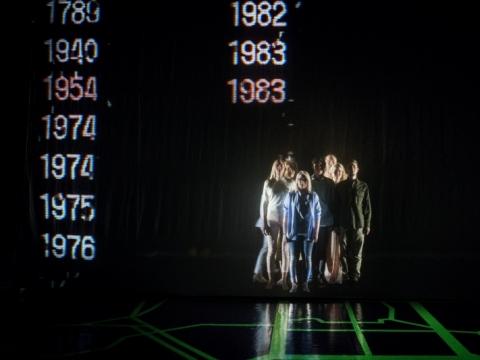 """Scena iš spektaklio """"Žalia pievelė"""". D. Matvejevo nuotr."""