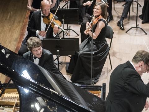 Lukas Geniušas, Modestas Pitrėnas ir Lietuvos nacionalinis simfoninis orkestras. D. Matvejevo nuotr.