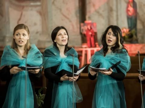 """Ansamblio """"Graces & Voices"""" koncertas Šv. Kazimiero bažnyčioje. D. Matvejevo nuotr."""