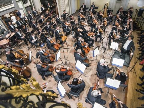 """""""Konzerthausorchester Berlin"""" ir dirigentas Juraj Valčuha. D. Matvejevo nuotr."""