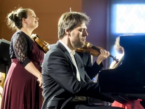 Andrius Žlabys ir Bazelio kamerinis orkestras. D. Matvejevo nuotr.