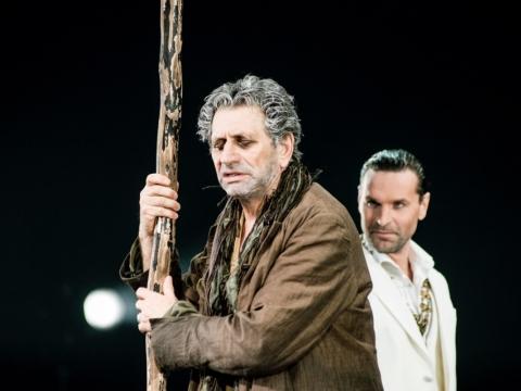 "Scena iš J. Vachtangovo teatro spektaklio ""Edipas karalius"". D. Matvejevo nuotr."