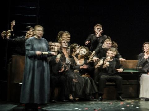 """Scena iš spektaklio """"Rusiškas romanas"""". D. Matvejevo nuotr."""