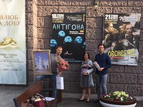 Birutė Mar su kolegomis. Solo teatro archyvo nuotr.