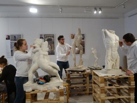 """Paroda """"Skulptūros restauratoriaus dirbtuvėse"""", galerija """"Akademija"""", Vilnius. 2016 m. A.Narušytės nuotr."""