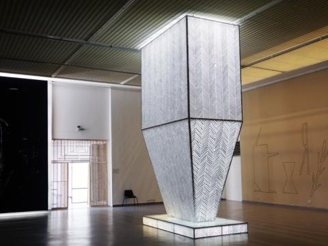 """Žilvinas Landzbergas, """"Be karūnos"""", ekspozicijos fragmentas. 2015 m. A. Narušytės nuotr."""