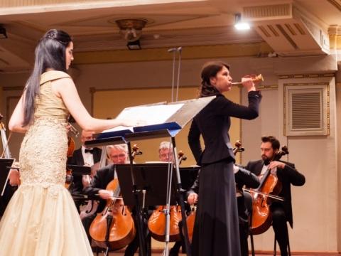 Aisha Syed, Adrija Čepaitė ir Lietuvos kamerinis orkestras. A. Švedo nuotr.