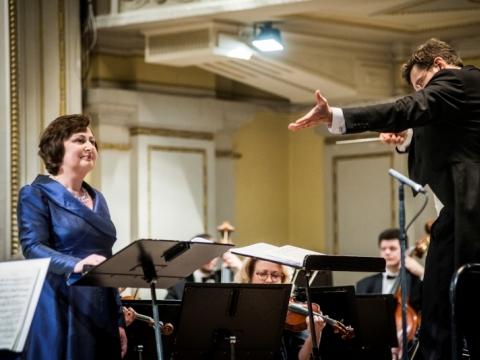 Asta Krikščiūnaitė, Modestas Pitrėnas ir Lietuvos nacionalinis simfoninis orkestras. D. Matvejevo nuotr.