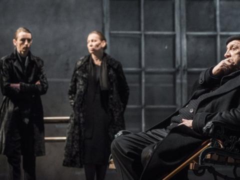 Viktorija Kuodytė (Ana), Eglė Mikulionytė (Olga), Valentinas Masalskis (Robertas Šusteris) D. Matvejevo nuotr.