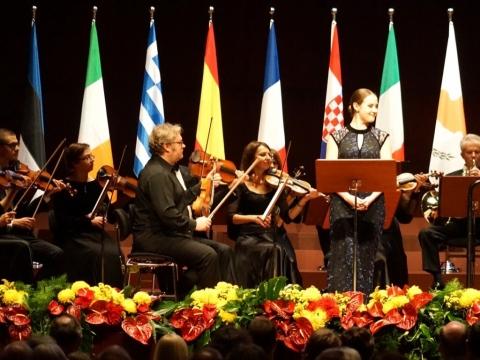 Lietuvos kamerinis orkestras ir Lina Dambrauskaitė. P. Thauwald nuotr.