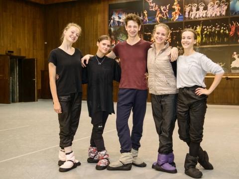 Nauji LNOBT baleto trupės artistai: Vilija Montrimaitė, Marija Kastorina, Victor Coffy, Giedrė Dapkutė, Julija Stankevičiūtė. M. Aleksos nuotrauka