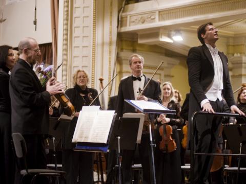 Modestas Pitrėnas ir Lietuvos nacionalinis simfoninis orkestras. Nuotrauka iš LNF. archyvo