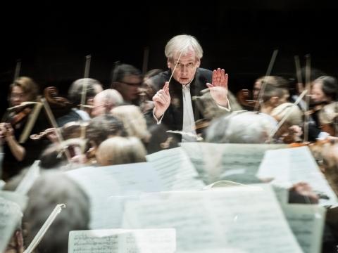 Lietuvos valstybinis simfoninis orkestras ir vyr. dirigentas Gintaras Rinkevičius. D. Matvejevo nuotr.