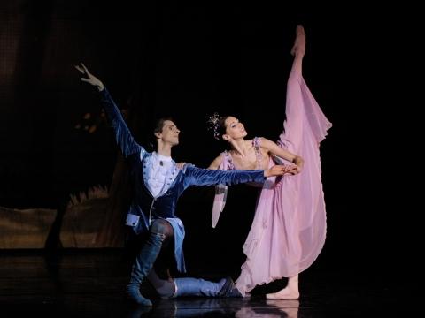 """Olga Konošenko (Alyvų fėja) ir Aurimas Paulauskas (Dezirė) balete """"Miegančioji gražuolė"""". M. Aleksos nuotr."""