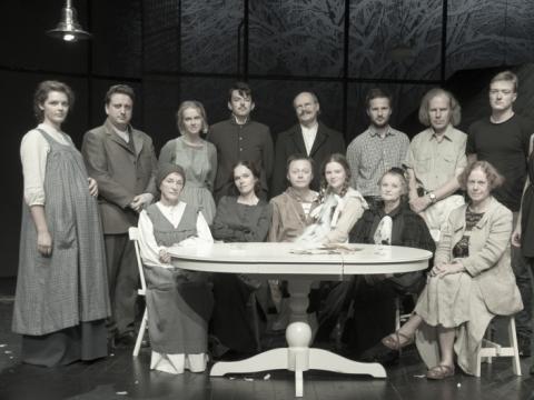 Spektaklio kūrybinė grupė. R. Treigio nuotr.