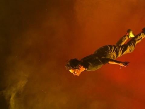 "Sebastian Diaz Morales, kadras iš videodarbo ""Kabantis"" (""Suspension""), 2014 m."