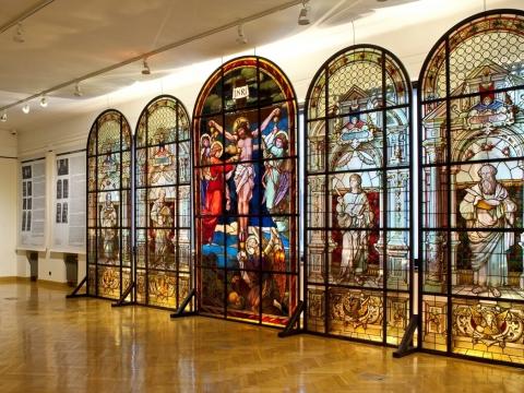 Švč. Sakramento bažnyčios vitražai