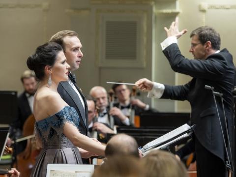 Viktorija Miškūnaitė, Modestas Sedlevičius, Modestas Pitrėnas ir Nacionalinis simfoninis orkestras. D. Matvejevo nuotr.