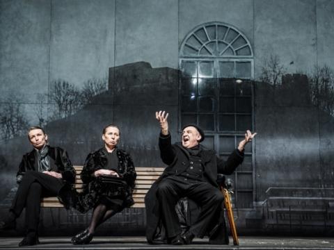 Viktorija Kuodytė (Ana), Eglė Mikulionytė (Olga), Valentinas Masalskis (Robertas Šusteris). D. Matvejevo nuotr.