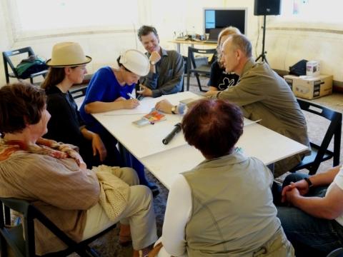 """""""Miestų tyrimai: Draugiška zona"""", kuratoriai Vita Gelūnienė, Ed Carroll. 2013–2014 m. Organizatorių nuotraukos."""