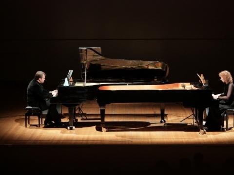"""Rūtos Rikterės ir Zbignevo Ibelhaupto fortepijoninis duetas festivalyje """"Permainų muzika"""". Nuotrauka iš asmeninio archyvo"""